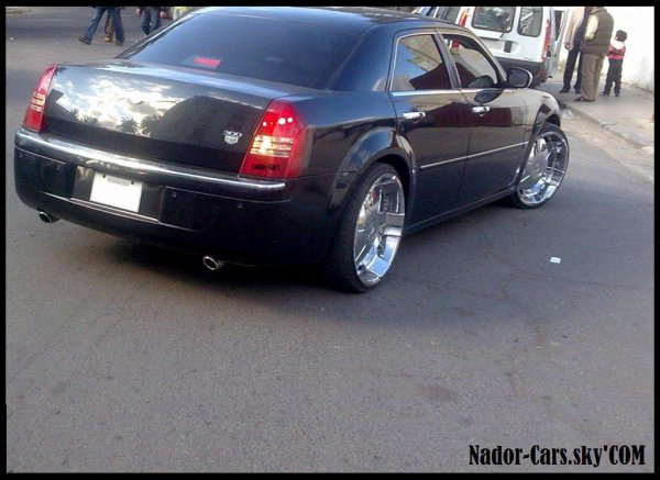 chrysler 300c chrome jantes nador cars les autos nadoriennes a votre. Black Bedroom Furniture Sets. Home Design Ideas